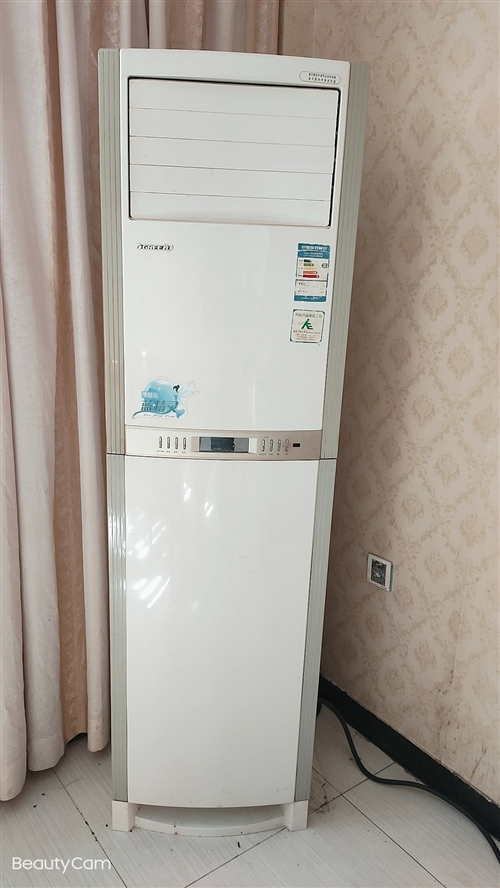 三台格力空调低价出售,电话:13646973852/18659995775。