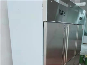 出售���品牌六�_�T冰柜,上面冷藏,下面冷��!基本**!有需要的�系