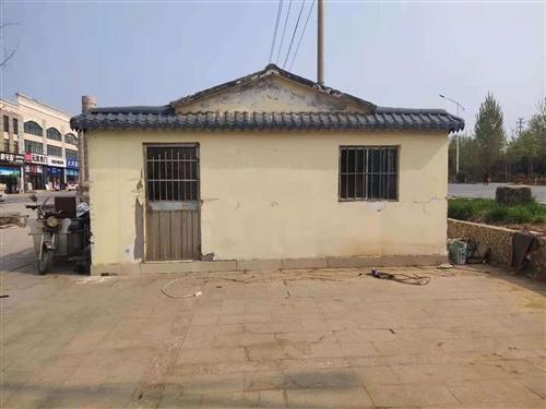 自家闲置集装箱板房,四米乘以六米,成色好,外部装修防护,可以拆除。可以看房议价。