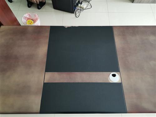 学习桌,办公桌,物品桌2张,