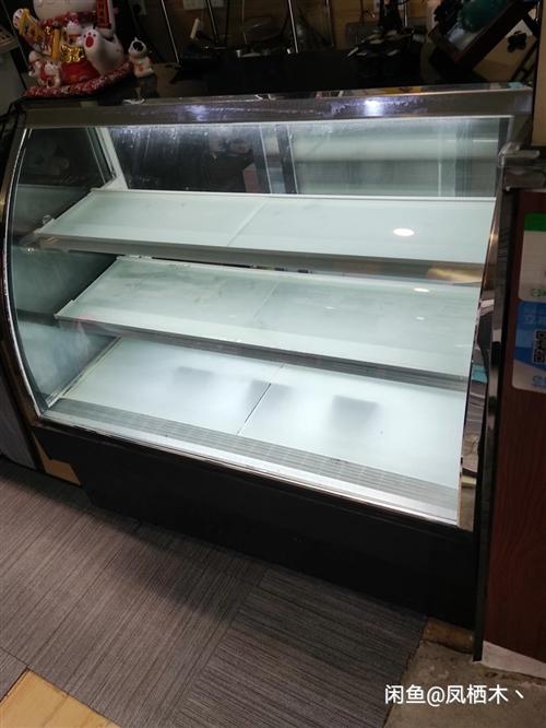 本人收购一台制冷的冷藏展示柜,要弧面的后开门的,小一点,价格可以商量
