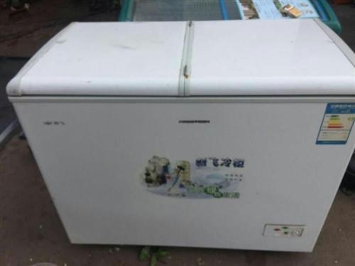 因搬家免费送二手冰柜,需要直接加微信联系,zyl18712549345