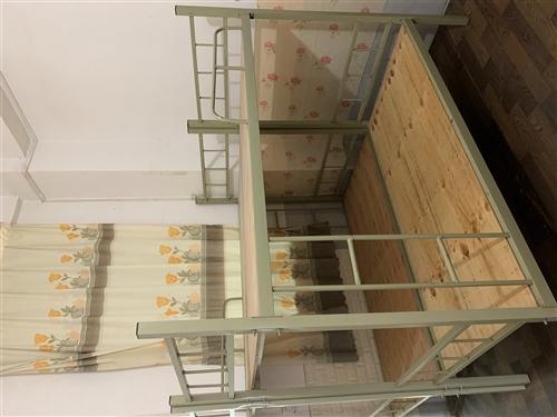 上下铺铁床 九成新 尺寸1.9m 0.85m 共八个 地址水洞卡