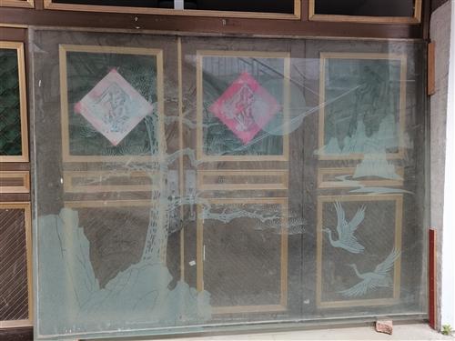 鋼化玻璃,松鶴延年花樣,長約2.65米,寬約1.95米,有意者請聯系我,17755670629.便宜...