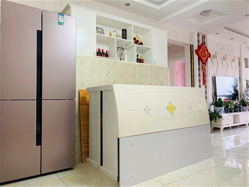 **木床(自己打的),規格150*200,帶床頭和床墊,因為家里買了全套家具,所以便宜出售,物美價廉...
