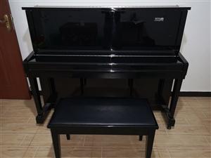现有一台九成新钢琴转让,有意者请私聊。