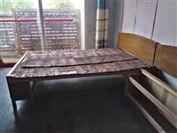 网址绷子床一张,带床架和棕垫。电热水器一台,九成新。美的旗下华凌品牌,苏宁线上购买。价格唯一,自提