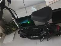 小海豚电动滑板车男女成人可折叠代步… 电压24V,颜色分类升级款:黑色 有刷 测试距离约25-30...
