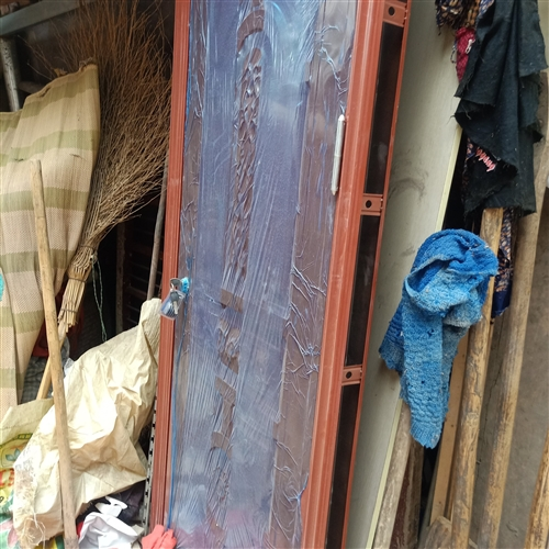 小门一个,宽86厘米,高210厘米,在老家放着,有需要的联系!