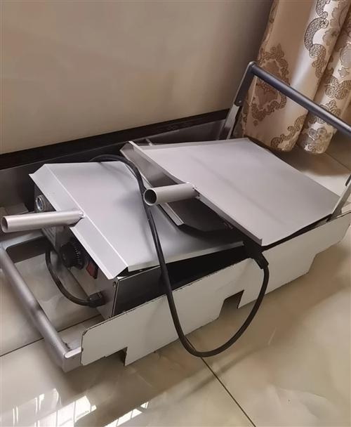 出售汉堡机,几乎**,一次出6个汉堡,有温度调节,温度到达设定温度有提醒。