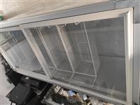 9成新冷柜长1.8米宽0.82米制冷效果好,可调冷冻冷藏,联系电话13351530083