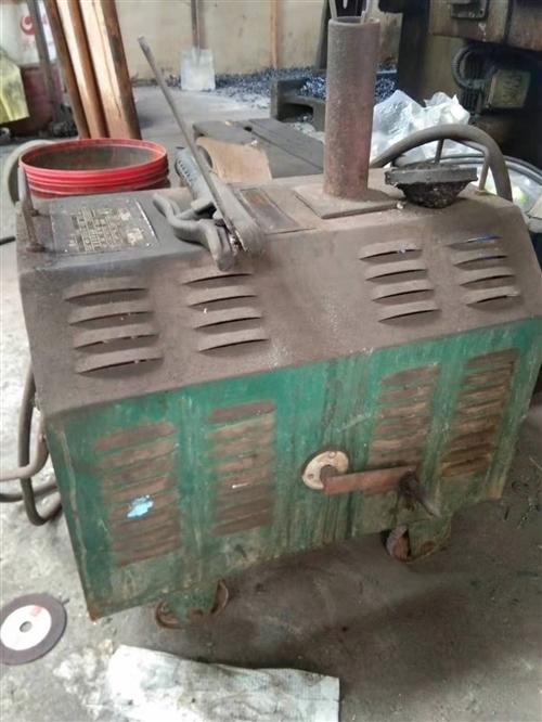 自用电焊机,两相砂轮机,两轮推车各一个,因搬家低价处理。13963635408