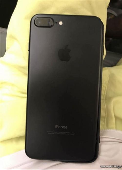 自用苹果7plus黑色,128G内存,九成新,因要更换新手机,现出售,ID可正常退出,无拆封无维修