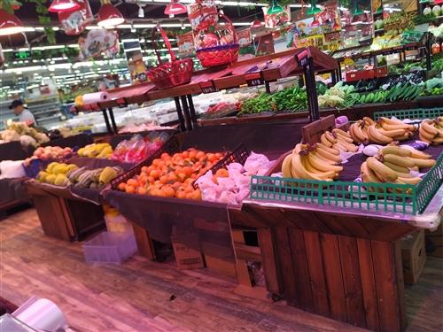 蔬菜蔬果双层货架,下有抽屉放闲置物品。9成新。价格电联。另有礼品赠送。