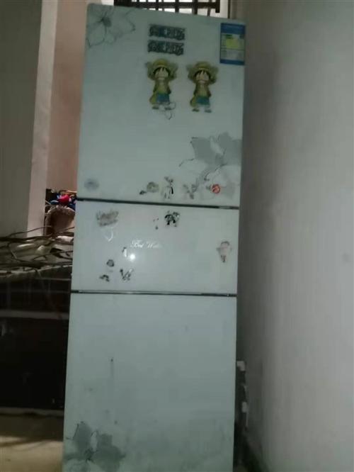本人有3台冰箱出售,需要的联系15185708524微同号。   手慢无。