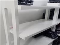 八成新鞋服架转卖,有需要的私我13627977198微信同号