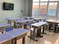 本有人18套新课桌没有用过,**,需要联系17795907812