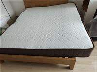 九区弹簧+天然乳胶,1.8席梦思床垫,9成新,闲置太大了,只支持自提