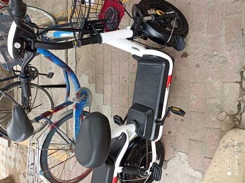 踏浪电动车,今年四月份买的,还在保修期内!电话,13091246316