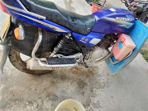 豪爵铃木钻豹125品牌摩托车,好多配件都是才更换,一路发发发,价格非常美丽!