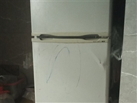 便宜出售二手冰箱 电话18090649576 500元