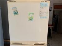 荣事达冰箱135升,全自动LG洗衣机4.5公斤,价格合理,产品完好,无维修过