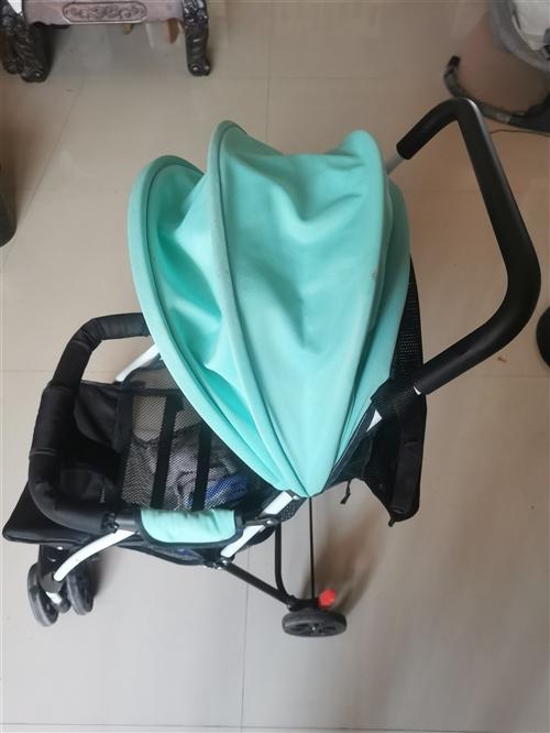 婴儿小推车  别人送的闲置了 可折叠 很轻便 两辆未拆封