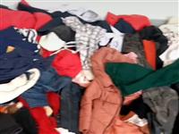 大量收旧衣服,家里有旧衣服的别扔了,可以上门回收