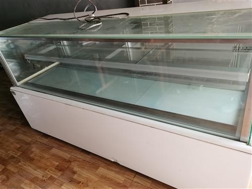 上海金城冷藏西点柜2.1米,原价22000元 一直空闲放置