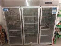 三开门展示柜,内含两个压缩机,铜管,买来只用了一个多月 买时3300元,现在便宜出,2000元 ...