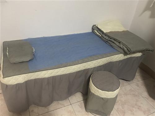 95新理疗床,买来不到半年,使用次数少,原价300多,转手150,送床单被套理疗凳,联系电话1828...