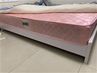 因离开会东发展,出一张1.5米的席梦思床和床垫,3月份购入,不到半年,实际使用时间不足三个月,95新...