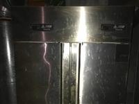 处理双开门冰箱,冷藏柜,消毒柜,煤气炸锅,实木柜台