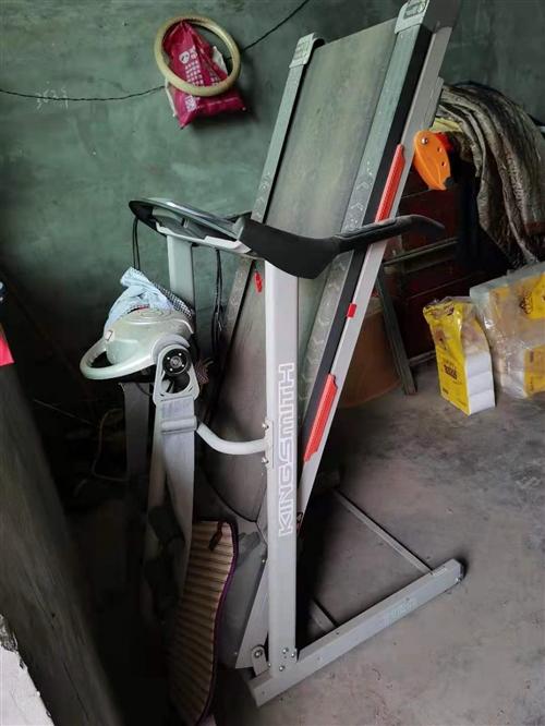 个人跑步机,买来未用过,一直在仓库放着,想要的联系