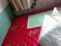 好床垫,搬迁用不上了,上面一直有铺盖,很干净