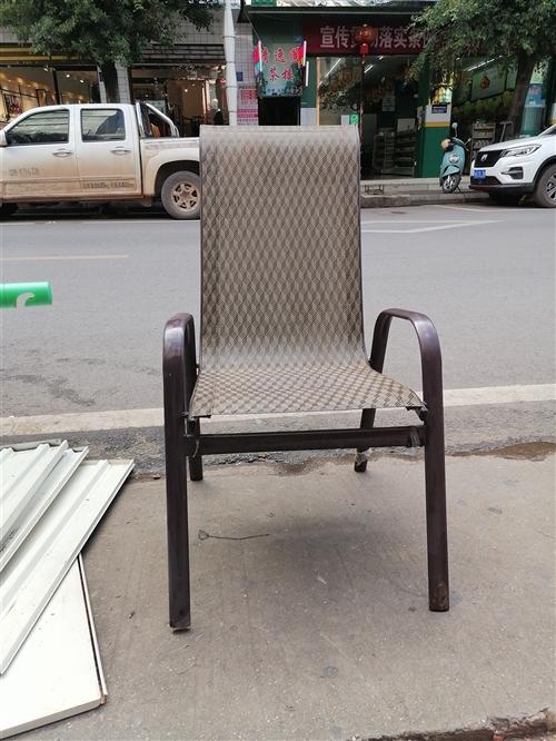 处理二手椅子一个30元,东西在彩云街