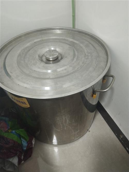 处理一批不锈钢桶,50公分,35公分,25公分不等的,价格100,60,30,可面议