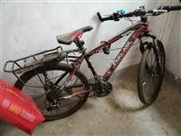 山地自行车买了就骑过几次还有九成新,非诚勿扰!