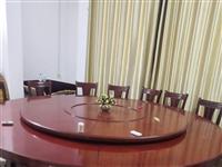 电动桌和椅子九成新,坐20人的桌,超底价出售,