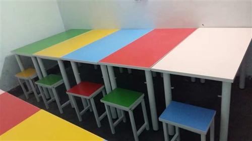 因本人另有发展,现将补习班使用过的桌凳低价出售,价格面议,有意者电联:18093914832,非诚勿...