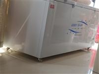 二手冰柜,9成新,因为做生意才买的,结果买多了,一次没用过,目前闲置,放在家里占空间,400块钱一台...