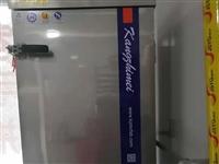 出售九成新烤箱,蒸车,三线电,价格面议