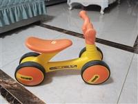 乐的小黄鹂平衡车扭扭车学步车,适合1岁以上,淘宝卖两百多,八成新,65元转,南京溧水或高淳自提