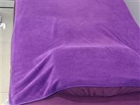 九成新美容床转让,床罩被子被套一起!200一张,有两张