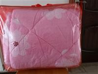 **透气被,1.8×2米,半价出售,仅售30元一床,库存仅余5床,喜欢的联系。