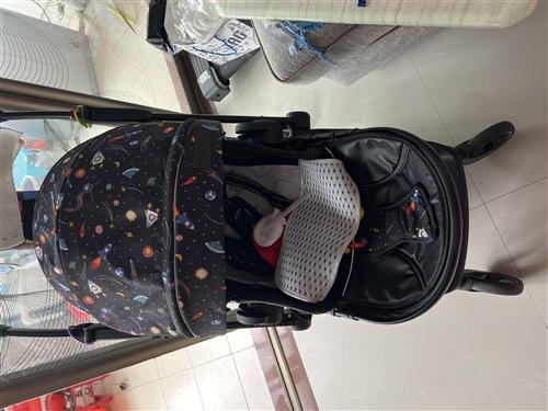 婴儿车九五成新,一款高观景,可躺可坐用了不到3月,京东商城六百购买的,现半价出售,同城自提,家中有多...