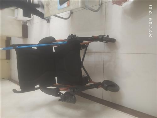 魚躍鋰電池電動車輪椅,配備急救包,拐杖充氣墊,充電器,五檔自行調節,原價3580'現欲低價出售有意者...