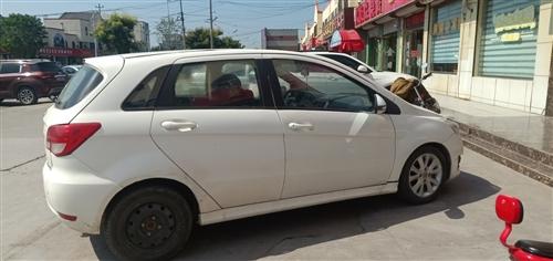 2013年北汽E150,无水泡,正常开的一手车,原厂发动机,很好开,无毛病,价格5000,