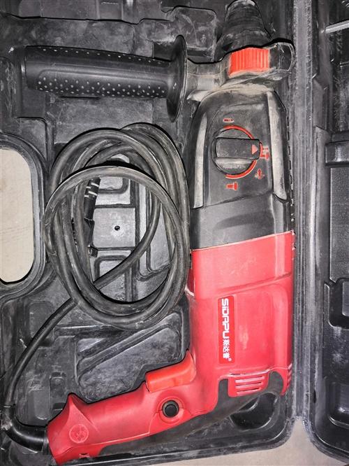 斯达普3用轻型电锤,带电锤,冲击,电钻功能。 便宜出70元。