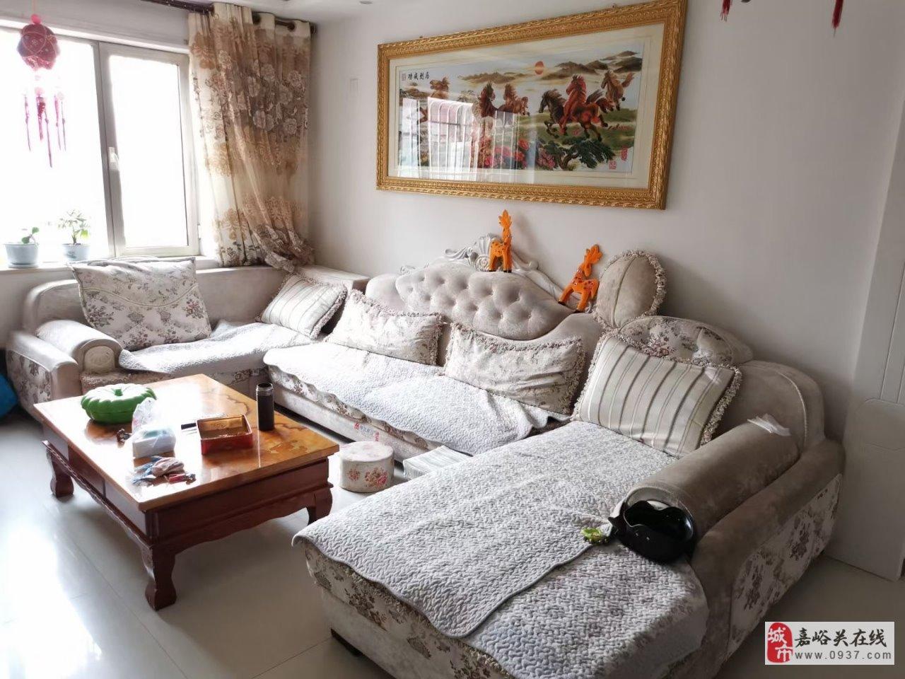 滨湖家园3楼带地下室44万低价出售